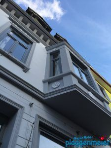 Klassische Perspektive für einen Bremer Altbau - vom Maler perfekt gestalteter Aussenanstrich