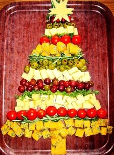 Foodie Quine: Foodie Quine 2015 Advent Calendar, Christmas Tree Cheese for 2015 - LoveItSoMuch.com