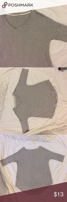 American Eagle Jegging short sleeve Worn a handful of times, in great gently used condition. NO TRADES American Eagle Outfitters Tops Tees - Short Sleeve