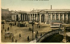 Old postcard of The Bank of Ireland, College Green, Dublin. Ireland Pictures, Old Pictures, Old Photos, Photo Engraving, Dublin City, Old Postcards, British Isles, Homeland, Kai