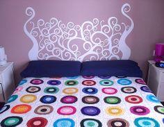 Tête de lit faites avec un Stickers