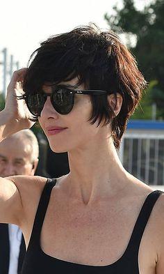 La actriz española ha destilado 'savoir fare' en el festival de Venecia. ¿En qué radica el secreto de su nuevo estilo?