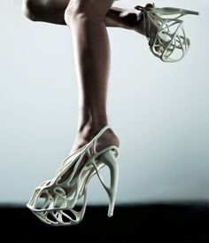 Naim Josefi 3Dprinted couture shoes with no material waste