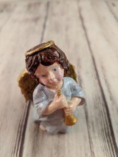 Faith Angel Hebrews 11:1 6 x 3.5 inch Resin Stone Table Top Figurine