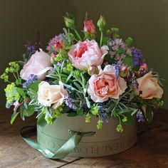 The Real Flower Company Pink & Peach Perfumed English Hat Box Arrangement