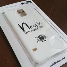 Selbst gestaltetes Case von @nessietherealmonster auf Instagram || Design your own case here >> http://designskins.com/de/design-your-own || ZEIG UNS #DEINDESIGN UND LASS DICH VON UNSERER TREND GALERIE INSPIRIEREN >> designskins.com/de/trend-galerie