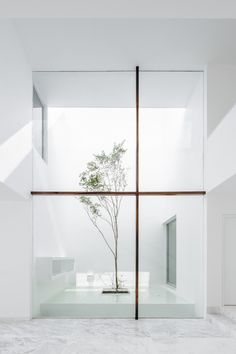 Abraham Cota Paredes has completed the lovely Casa V in Jalisco, Mexico. http://minimalissimo.com/casa-v-2/