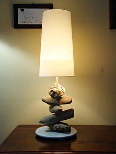 """Lampada """"CLAUDIA"""" con legni di mare"""