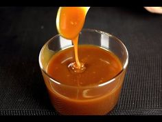 Salsa Dulce, Toffee Recipe, Chocolate Toffee, Chutney, Sweet Recipes, Donuts, Frosting, Deserts, Pudding