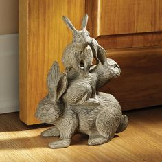 Design Toscano Bunched Bunnies Cast Iron Statue - Decor Universe