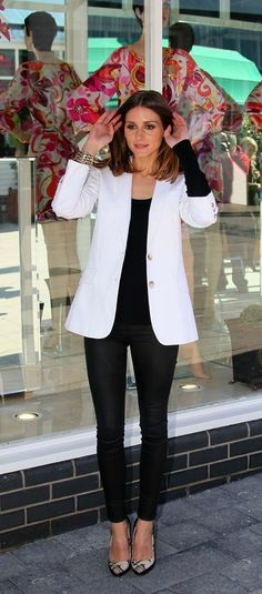 Olivia Palermo. Slimming - black top & leggings with white blazer