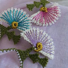 This Pin was discovered by Ley Needle Lace, Lace Making, Lace Embroidery, Crochet Lace, Tatting, Needlework, Knots, Diy And Crafts, Like4like