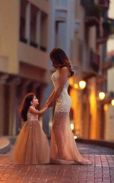 Vianla Beautiful Beadings Sheer Skirt 2016 Prom Dress Sweetheart Sleeveless Mother and Daughter Dress