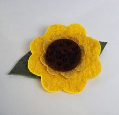 A Tranquil Nook: DIY - Sewing a Felt Sunflower Brooch