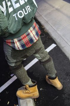 d0pe-chef:  flexingonthesehoes:  http://flexingonthesehoes.tumblr.com/  .  Dope Streetwear Posts Daily Here