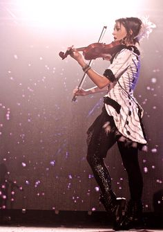 Lindsey Stirling she is sooo pretty