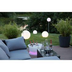 Soirée champêtre en famille ou entre amis avec la Lampe lumineuse GLOBE intérieur extérieur (blanc, LED multicolore, Ø 30 cm).