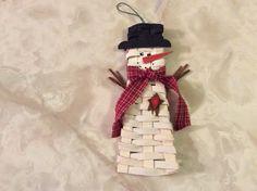 Snowman basket ornament designed by Lara Lawrence
