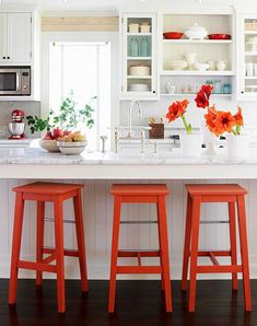 Bright Orange Bar Stools and Accents in a White Kitchen Design Ideas & Pictures Diy Bar Stools, Kitchen Stools, Bar Chairs, Colored Bar Stools, Orange Bar Stools, Lounge Chairs, Kitchen Dining, Sweet Home, Diy Casa