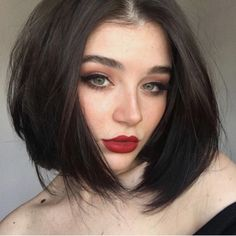 47 Maximal Brunette Bob Haircut for Modern Women Maximal Brunette Bob Haircut For Modern Women 45 Cute Bob Haircuts, Messy Bob Hairstyles, Hairstyles Haircuts, Brunette Bob Haircut, Bobs For Thin Hair, Peinados Pin Up, Trending Haircuts, Textured Hair, Hair Trends