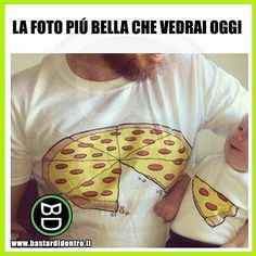 A me fa venire fame... #bastardidentro #perfettamentebastardidentro #pizza www.bastardidentro.it Crazy Funny Memes, Wtf Funny, Stupid Funny, Funny Photos, Funny Images, Baby's Day Out, World Of Gumball, Baby Suit, Cute Stories