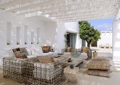 Imagen de http://4.bp.blogspot.com/-Y5EUZ1lku-g/UcImMtnsBXI/AAAAAAAANuQ/swXBDtiPuG8/s1600/fivestargreece+terraza+sombra+ca%C3%B1izo+bambu+blanco.jpg.