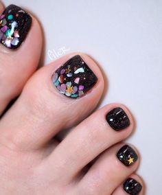 elegant and stylish bright french toe nails design; elegant toe nails in bright colors; bright color design nails for toes; French Toe Nails, French Pedicure, Pedicure Designs, Manicure E Pedicure, Toe Nail Designs, Nails Design, Pedicure Summer, Pedicures, Best Toe Nail Color