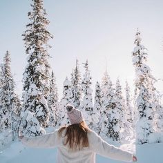 ♕ insta and pinterest @amymckeown5 Outfits Winter, Winter Drawings, Ft Tumblr, Snow Girl, Snow Pictures, Winter Love, Winter Magic, Winter Pictures, Winter Landscape