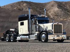 Peterbilt 389, Peterbilt Trucks, Big Rig Trucks, Semi Trucks, Custom Trucks, Rigs, Badass, Vehicles, Mack Trucks