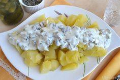 Quest'insalata di patate con yogurt e cetrioli la prepara la mia zia svedese, a casa mia ne andiamo matti, ora che finalmente ho la ricetta posso proporvela.