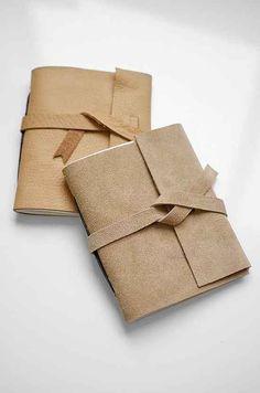 Se você precisa de um presente rápido e unissex, este diário encadernado de couro leva apenas 10 minutos para fazer.