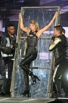 Taylor performing Bad Blood during the 1989 World Tour in Vancouver 8.1.15