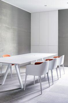 Ark meeting table