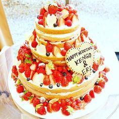 Naked cake♡*。 たくさんのベリーものって美味しそう♡♬* #ネイキッドケーキ #naked cake #海外 #かわいい…