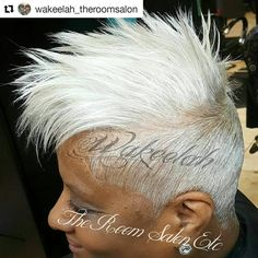 Can't get any easier than this! Short Sassy Hair, Short Grey Hair, Short Hair Cuts, Short Hair Styles, Grey Hair Care, Silver Grey Hair, White Hair, Tapered Hair, Hair Game