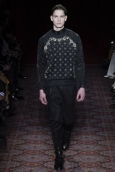 Julien Macdonald Autumn/Winter 2017 Ready-to-wear Collection | British Vogue