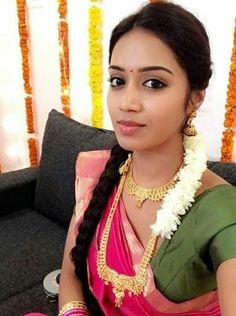 South Indian Actress, Beautiful Indian Actress, Beautiful Actresses, India Beauty, Asian Beauty, Simply Beautiful, Gorgeous Women, Dehati Girl Photo, Aunty In Saree