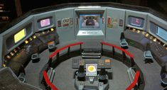 Star Trek Prop Costume & Auction Authority: The Ultimate AMT Star Trek: Original Series U. Uss Enterprise Ncc 1701, Star Trek Enterprise, Star Trek Voyager, Star Trek Tos, Star Wars, Star Trek Models, Sci Fi Models, Star Trek Bridge, Star Trek Action Figures
