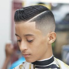 Boy Hairstyle Cutting Games - The assumption that taking care of yourself is only done by women and men who have already begun to change. Lil Boy Haircuts, Boys Fade Haircut, Toddler Haircuts, Shaved Side Hairstyles, Boys Long Hairstyles, Men Hair Color, Hot Hair Colors, Hair Games For Girls, New Hairstyle Cutting