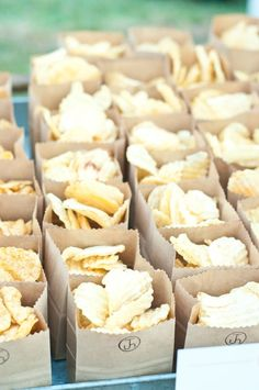Cute way to serve chips at a cookout. Use scalloped scissors to cut top off bro. Cute way to serve chips at a cookout. Use scalloped scissors to cut top off brown paper bag and embellish with rubber stamp. Snacks Für Party, Wedding Snacks, Wedding Reception Food, Bbq Party, Wedding Buffet Food, Diy Wedding Food, Wedding Foods, Farm Party, Party Fun