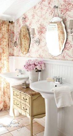 35 Charming French Country Bathroom Decor Ideas #BathroomDecor