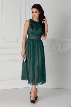 Rochie verde eleganta Aplicatie cu broderie la umar Fara maneci Bridesmaid Dresses, Wedding Dresses, Fashion, Green, Embroidery, Bridesmade Dresses, Bride Dresses, Moda, Bridal Gowns