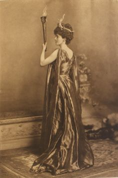 """Lady Lurgan, surprisingly nonthreatening as Alecto, one of the Furies (""""the implacable or unceasing anger"""") ; the Duchess of Devonshire's Jubilee Costume Ball of 1897 Festival Costumes, Theatre Costumes, Vintage Photos Women, Vintage Photographs, Vintage Images, Victorian Fancy Dress, Victorian Ladies, Vintage Dress, Victorian Era"""