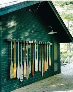 A collection of oars. Fun for the exterior of a cabin or boat house. Haus Am See, Lake Cabins, Lake Cottage, Cottage Homes, Seen, River House, Cabins In The Woods, Lake Life, Architecture