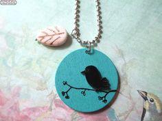 Vogel auf Ast aus Holz & Blatt aus Türkis Kette