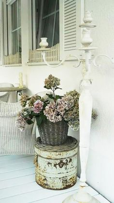 GET THE LOOK: SHABBY CHIC
