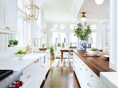 Kitchen White Kitchen Cabinets, Kitchen Cabinet Design, Kitchen White, Gold Kitchen, Nautical Kitchen, Vintage Kitchen, Kitchen Storage, Dark Cabinets, Kitchen With Brass Hardware
