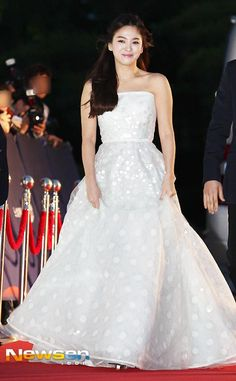 https://www.dramafever.com/es/news/song-joong-ki-and-song-hye-kyo-look-absolutely-stunning-on-the-baeksang-awards-red-carpet/