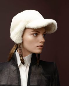 Sasha Luss, Anok Yai + More Model Fendi Fall Winter Collection Fall Winter Outfits, Autumn Winter Fashion, Winter Hats, Fashion Fall, Parisian Wardrobe, Fendi Fur, Winter Background, Campaign Fashion, Winter Photography