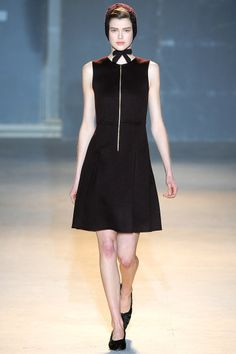 Rochas Fall 2011 RTW - Review - Fashion Week - Runway, Fashion Shows and Collections - Vogue